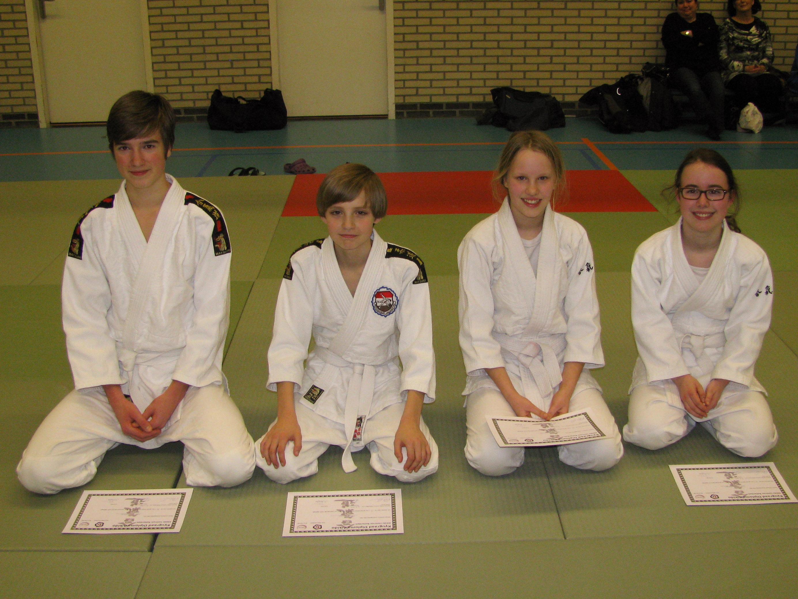 Aikido Centrum Rotterdam examens kindergroep d.d. 8-2-2014